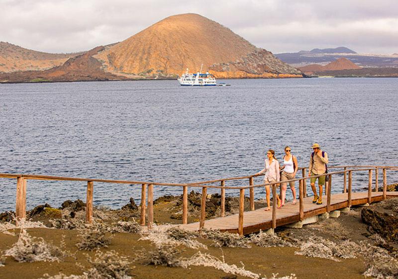 A-Yacht-Isabela-II-EXPEDICION-CAMINATA