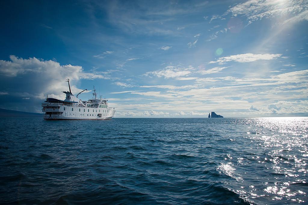 E-Yacht-La-Pinta-2