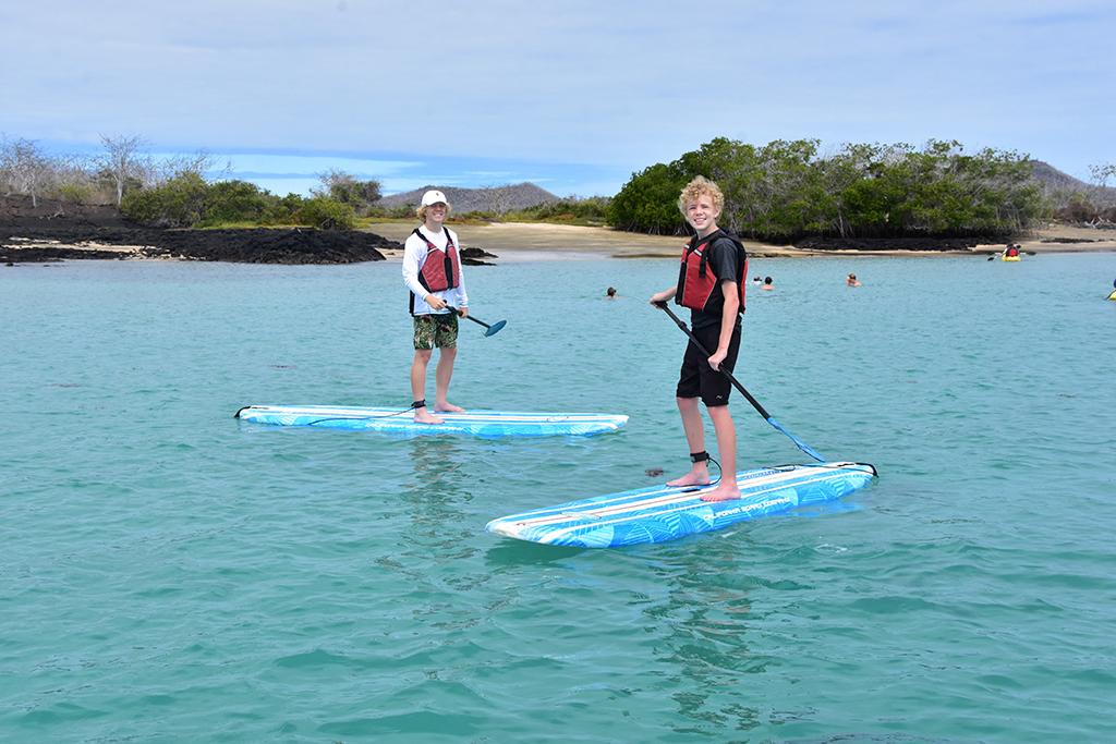 E-Yacht-La-Pinta-Paddleboarding-1