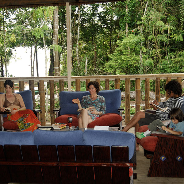 600_0002_Camping_Experience_Living_room_Manatee_Amazon_Explorer