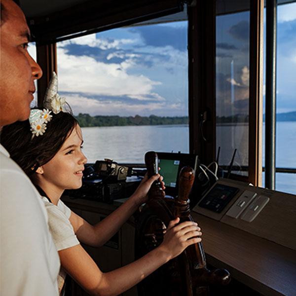 600_0019_Bridge's_ Navigation_Manatee_Amazon_Explorer