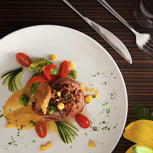 600_0032_Anakonda_Dining_Experience_Anakonda_Amazon_Cruise-medium